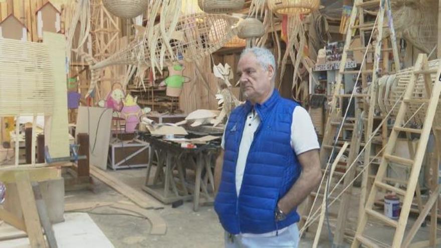 El artista fallero Manolo García muestra inquietud ante la suspensión de las Fallas 2020