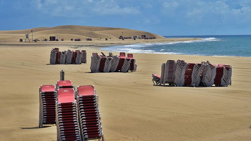 Playa del Inglés y Maspalomas siguen sin el servicio de hamacas hasta junio