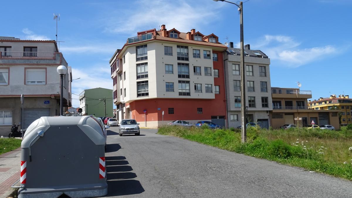 Calle en la que se construirán aceras junto a la residencia.