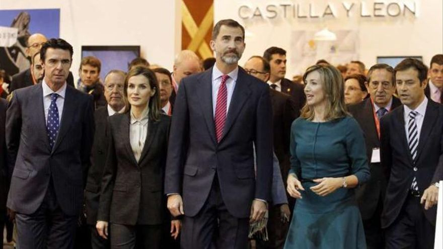 Los reyes visitan el stand de Castilla y León en Fitur