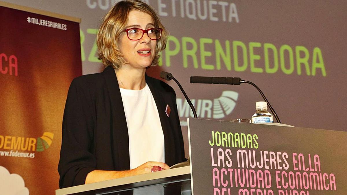 Teresa López, durante una conferencia.   | // L. O.