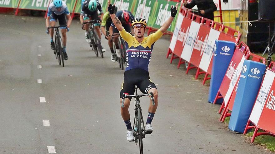 Roglic ya se viste de rojo en la Vuelta