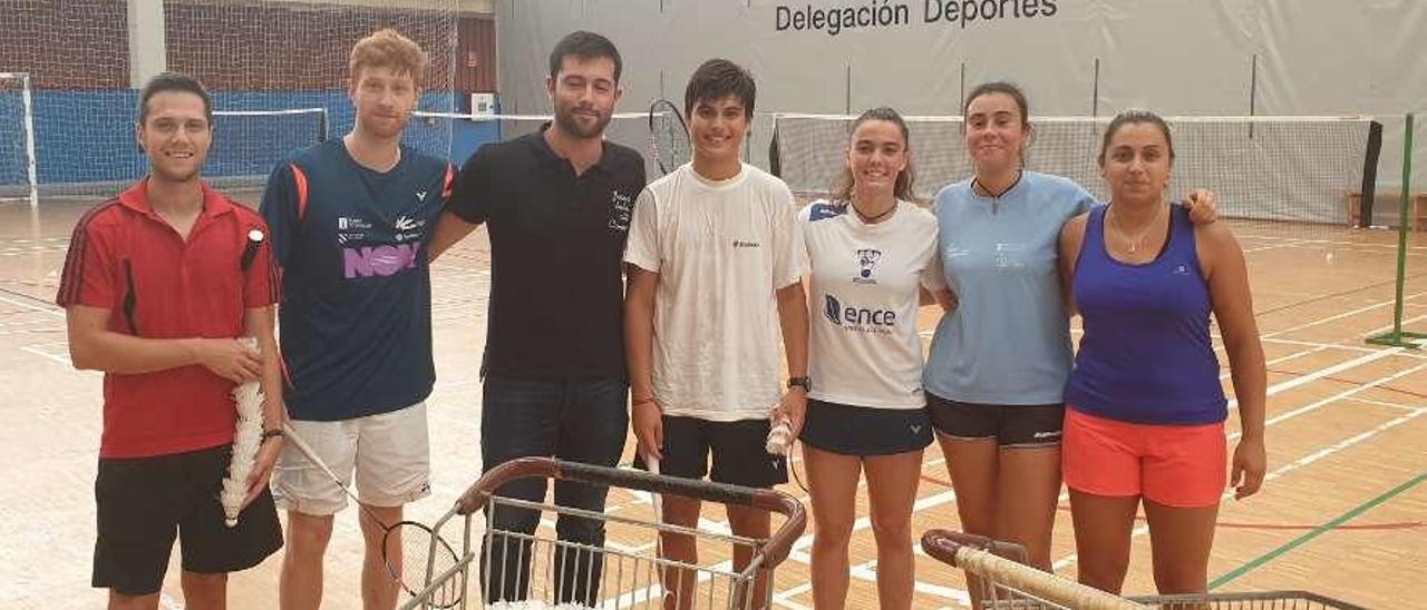 Integrantes del Club Bádminton A Estrada que esta temporada pugnan por revalidar el título regional.
