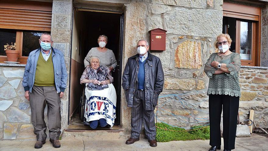 La zamorana Dominga García, superar el COVID con 102 años