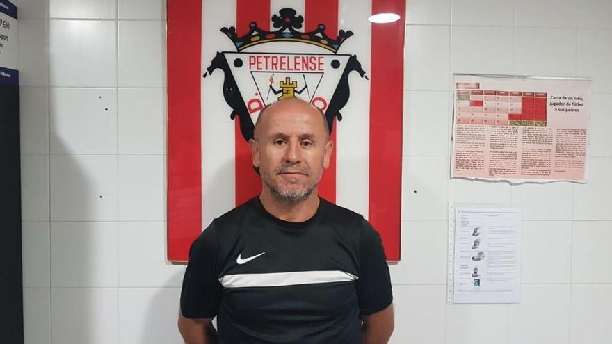 Virgilio Hernández, nuevo técnico del Petrelense