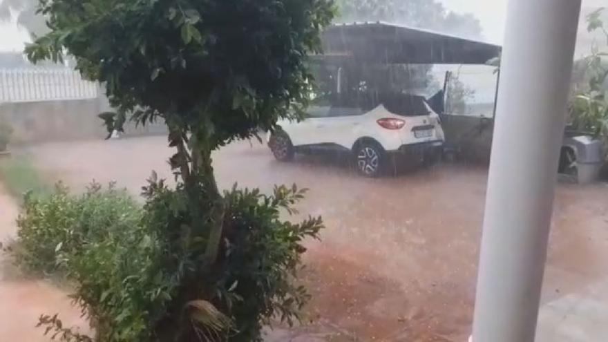 Fuertes precipitaciones en la urbanización de Calicanto