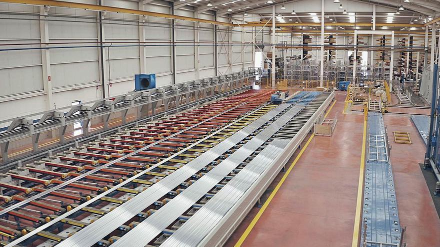 Extrusax confía en el tirón del coche eléctrico para aumentar su producción