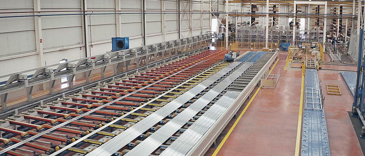 Las instalaciones de la firma sajeña Extrusax. | INFORMACIÓN