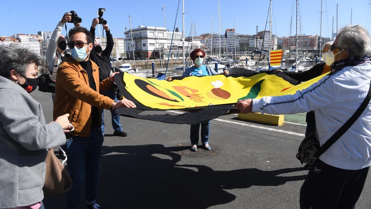 Marea Atlántica, ayer, reclama la condonación de la deuda