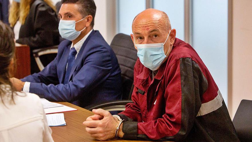 El acusado de un crimen machista en Dénia aduce que es gay y que la víctima no era su  pareja