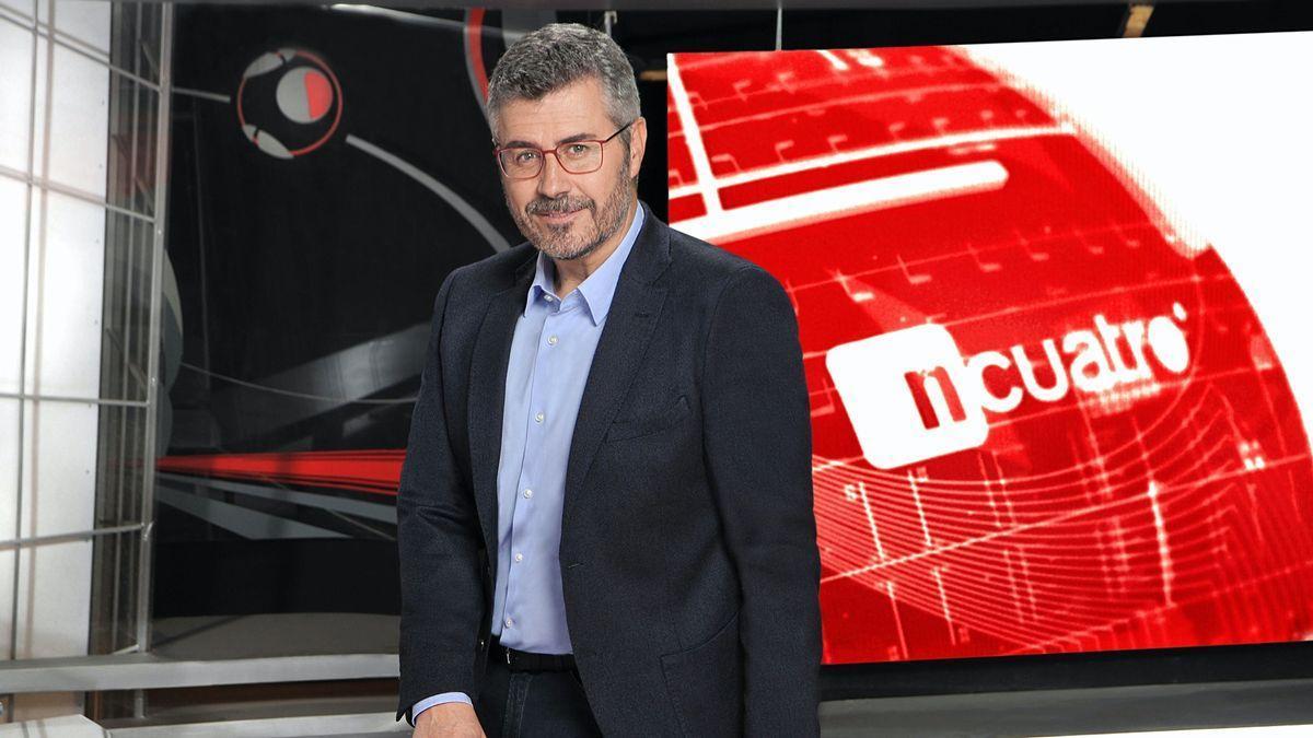 Miguel Ángel Oliver, en su etapa como presentador de 'Noticias Cuatro'.