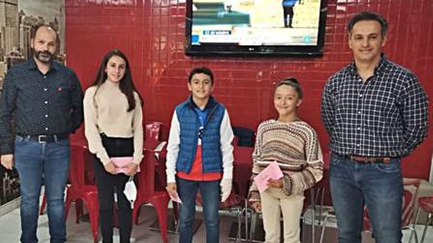 Tres jóvenes deportistas de Lorca, becados gracias a una iniciativa privada
