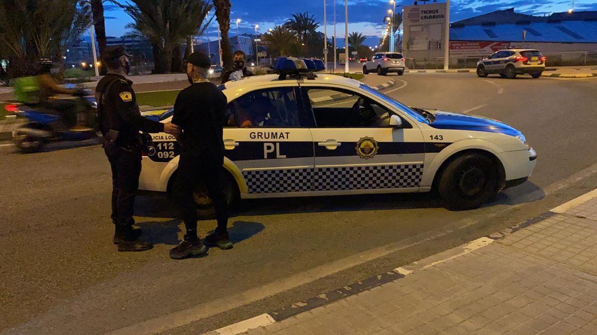 Detenidos en Elx con viagra y drogas camino de una fiesta en Madrid