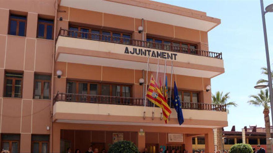 División de opiniones sobre el uso para los edificios municipales de El Campello