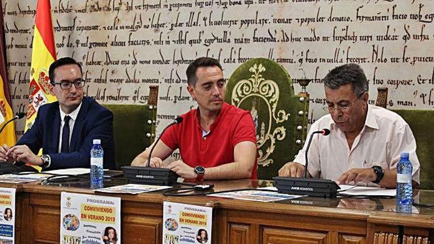 """Benavente acogerá este viernes la iniciativa comercial """"Noche en Blanco"""""""