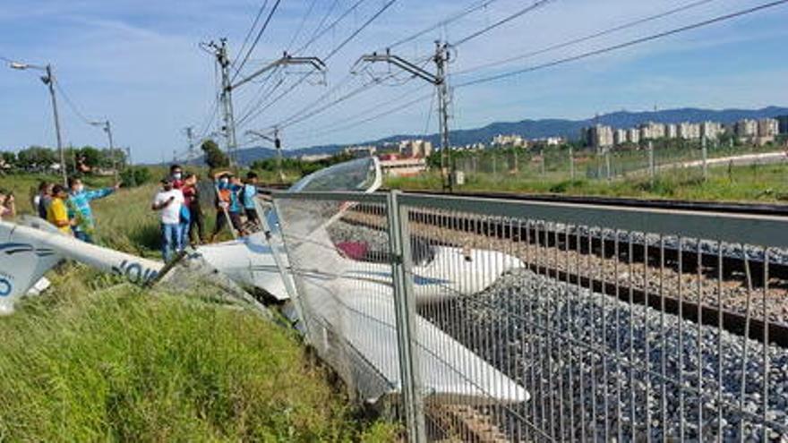 Restablerta la normal circulació de trens de la R4 i la R12 després de l'accident d'una avioneta a Sabadell
