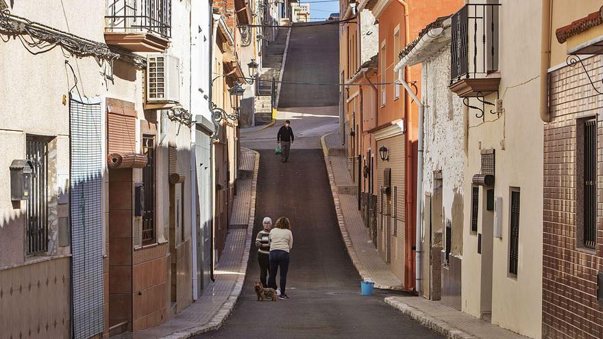 Sellent es el pueblo más envejecido y Montserrat el que tiene más niños