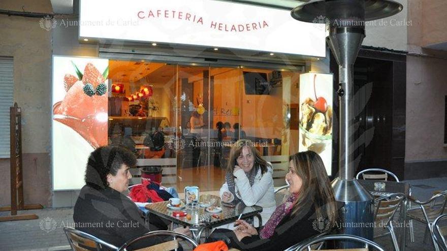 Carlet anula el impuesto de terrazas a bares y restaurantes