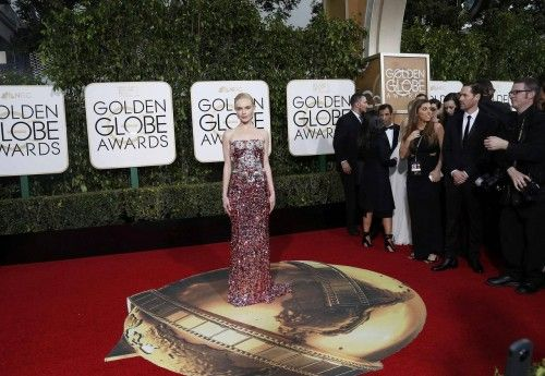 Kate Bosworth arrives at the 73rd Golden Globe Awards in Beverly Hills