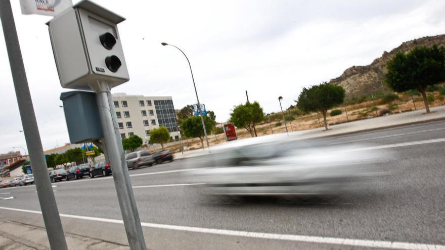 ¿El radar de la Avenida de Dénia y el de la Universidad multan en los dos sentidos?