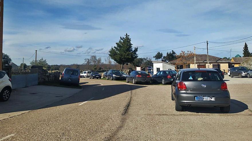 """Más de doscientos vehículos """"invaden"""" Abelón"""