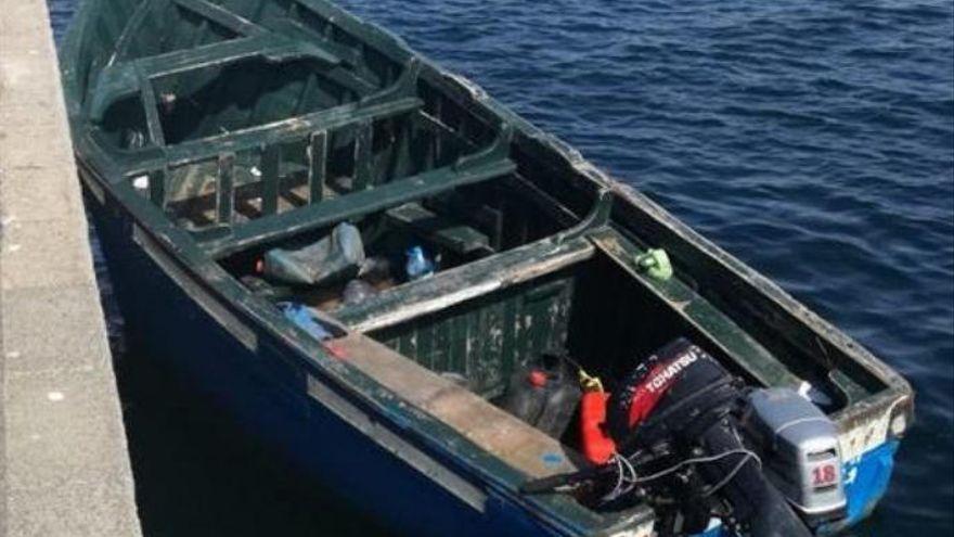 Un mercante rescata a 25 migrantes a unos 426 kilómetros al sur de Gran Canaria