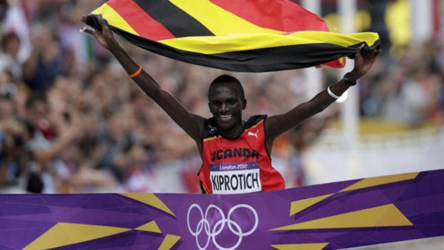 El ugandés Kiprotich arruina la fiesta keniana en el maratón