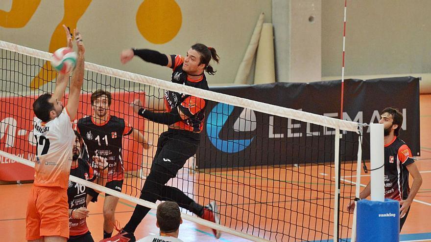 El Xàtiva Voleibol masculino vence en la complicada cancha del CV València