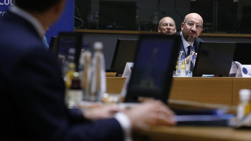 Els 27 països de la UE aborden la resposta conjunta a la nova soca de coronavirus