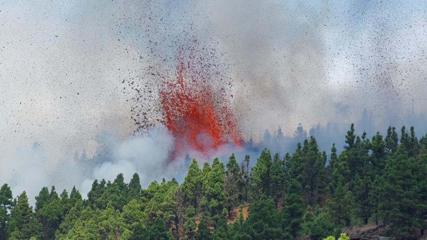 Directo | Entra en erupción un volcán en la Cumbre Vieja de La Palma