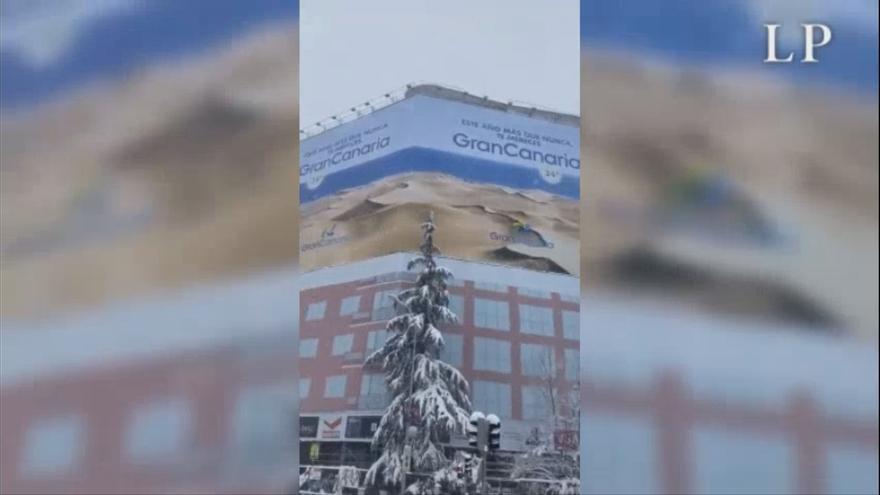 Gran Canaria se promociona en plena nevada