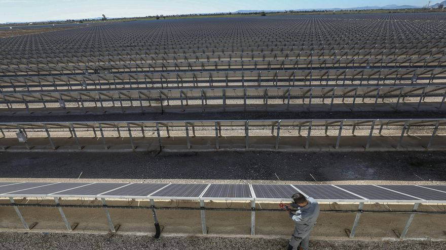 El precio de la luz bajará en Crevillent hasta un 20% en diez años con el autoconsumo