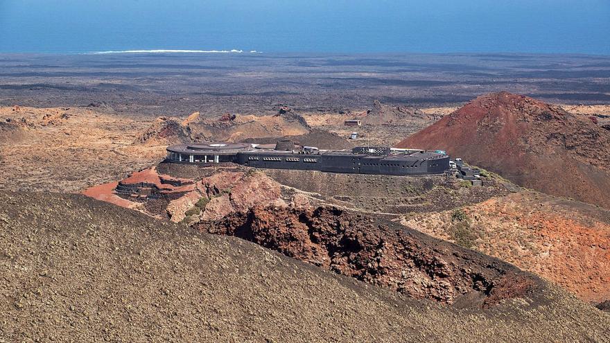 El éxito turístico de las erupciones