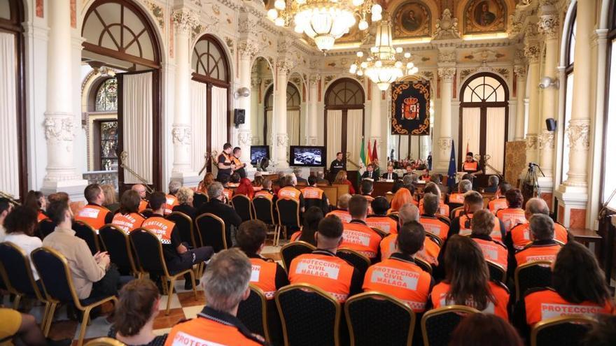 El Ayuntamiento de Málaga reconoce a los voluntarios de Protección Civil
