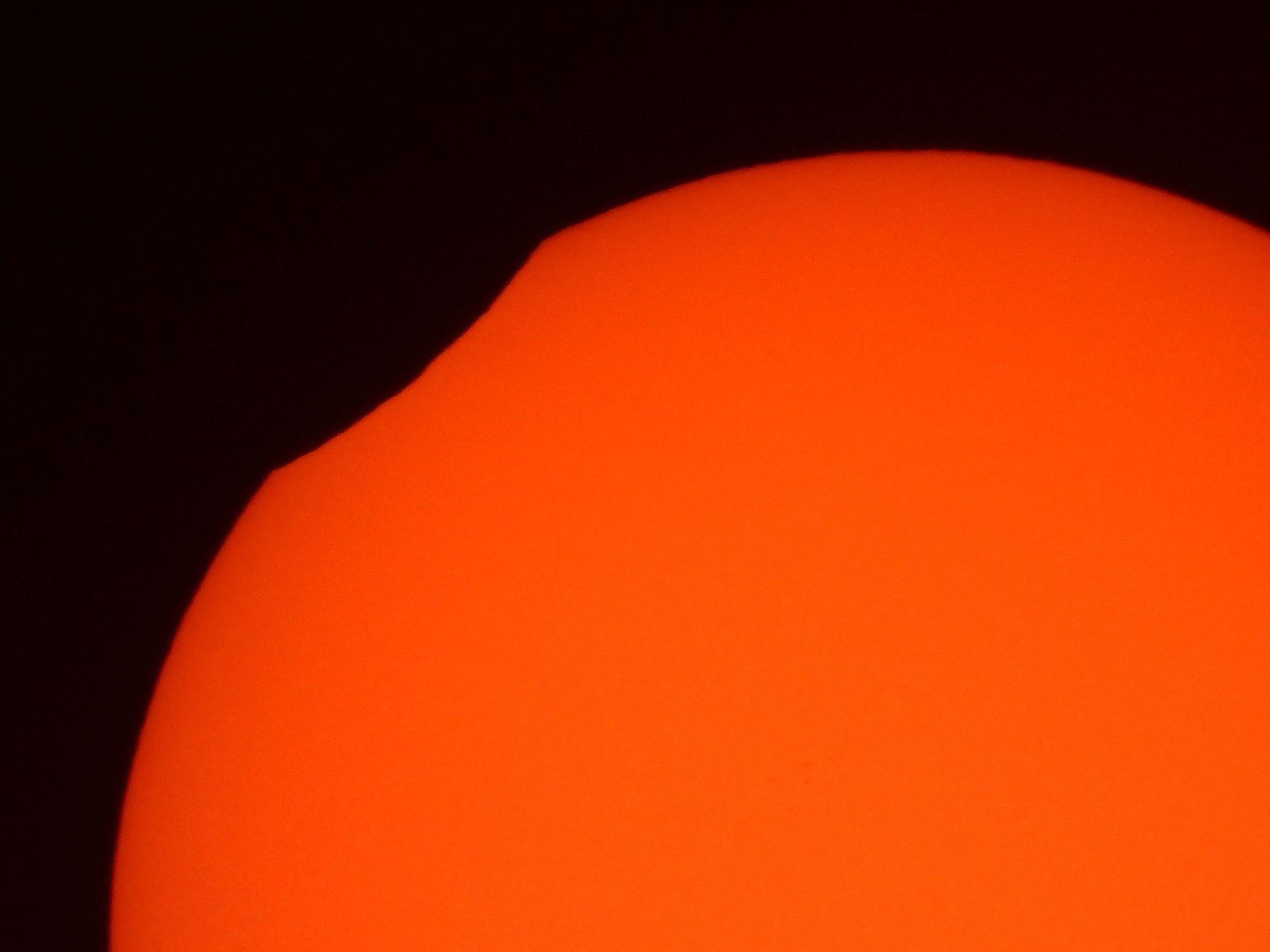 Así se ha visto el eclipse anular de Sol desde Ibiza