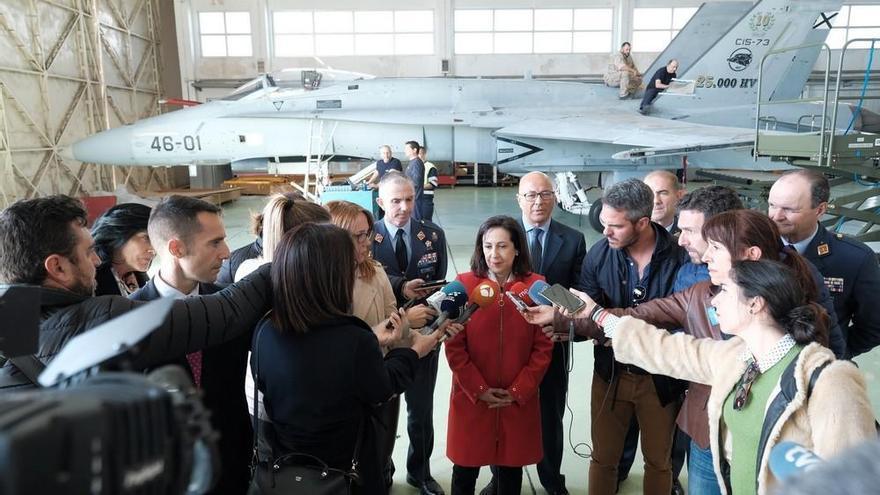 """Robles cree """"una ocurrencia"""" que Canarias acoja el mando OTAN para África"""