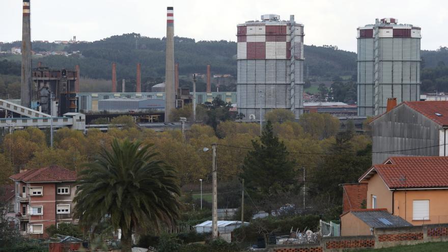 La principal medida del Gobierno para rebajar la luz elevará los costes de las fábricas asturianas