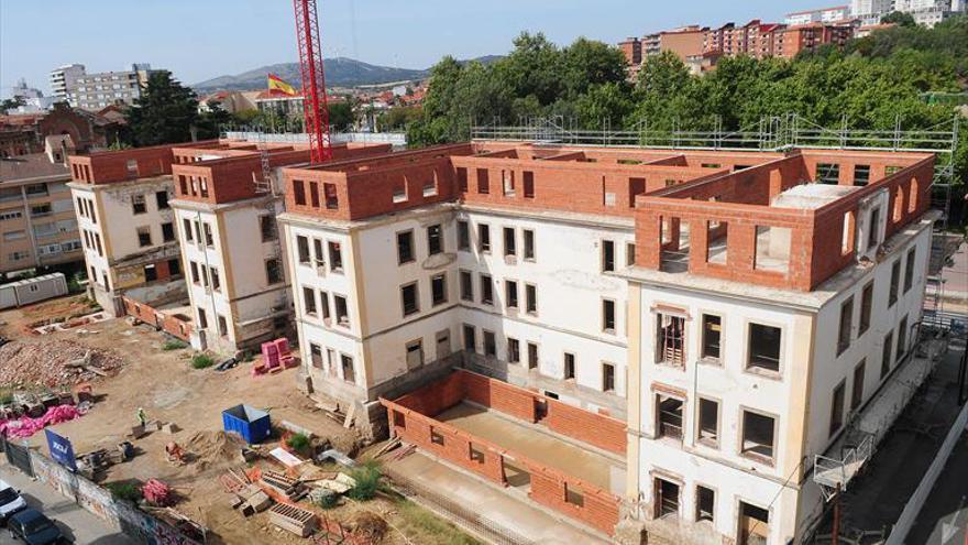 Un grupo financiero adquiere la empresa JOCA, que ejecuta la obra de la nueva residencia en Plasencia