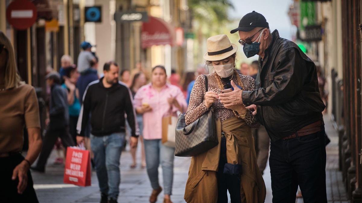 Ciudadanos de compras en Santa Cruz