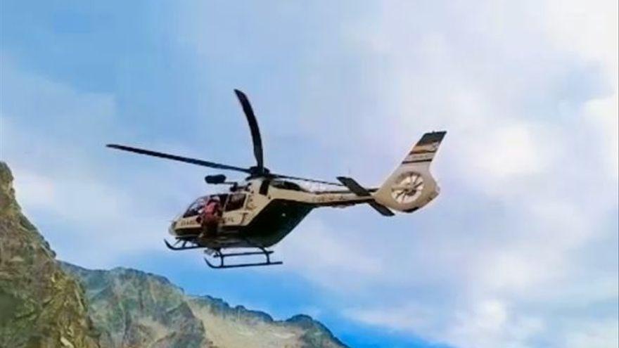 Muere un francés tras caer 50 metros en Huesca y 11 montañeros más son evacuados