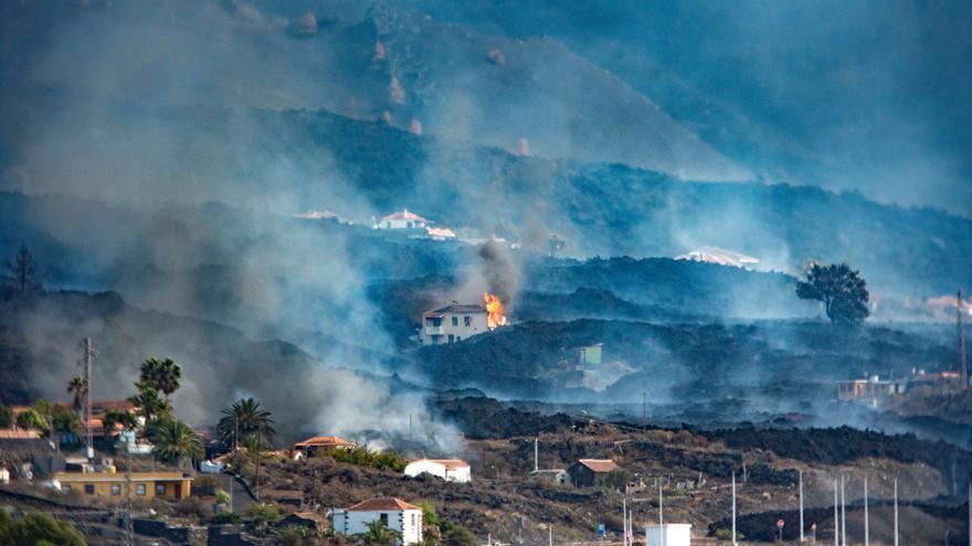 """Vulkanausbruch auf La Palma richtet weiter """"enorme Zerstörungen"""" an"""