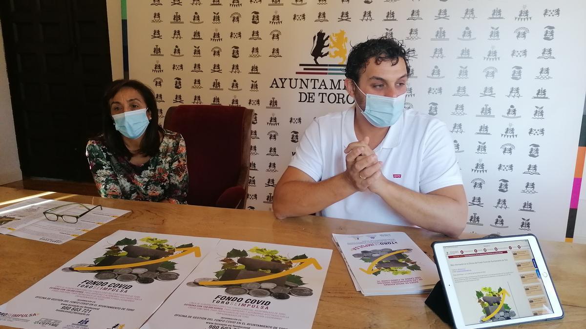"""Ángeles Medina y Tomás del Bien presentan las bases de las ayudas de los """"Fondos COVID"""""""