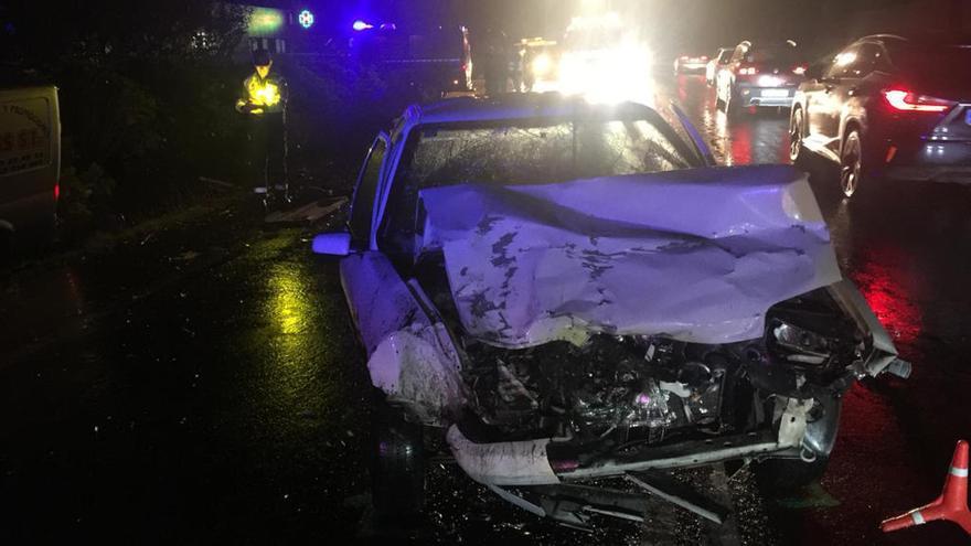Fallece una hombre en una colisión entre un turismo y una furgoneta en A Baña