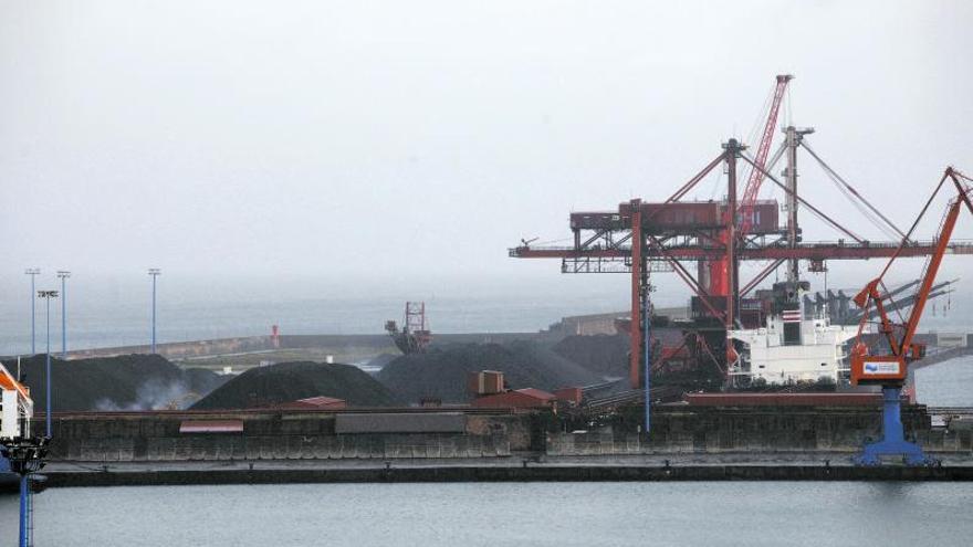 El tráfico de carbón en El Musel creció en un millón de toneladas el pasado año