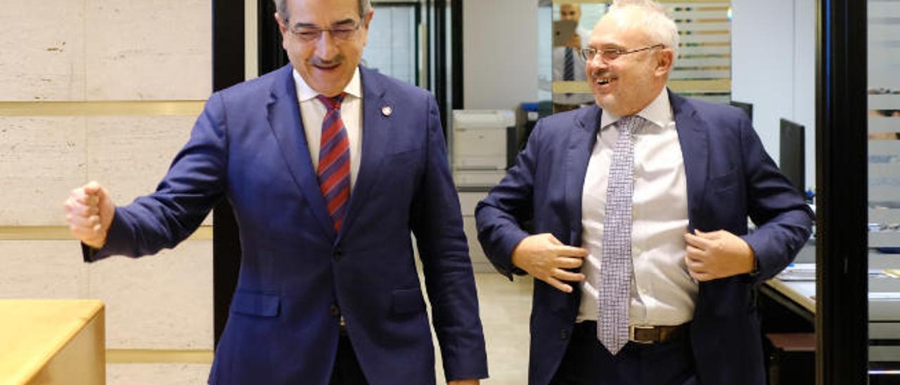 El vicepresidente del Gobierno de Canarias, Román Rodriguez.