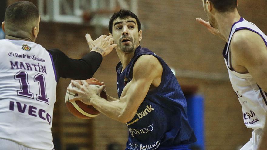 Saúl Blanco se suma a la fiesta del Oviedo Baloncesto