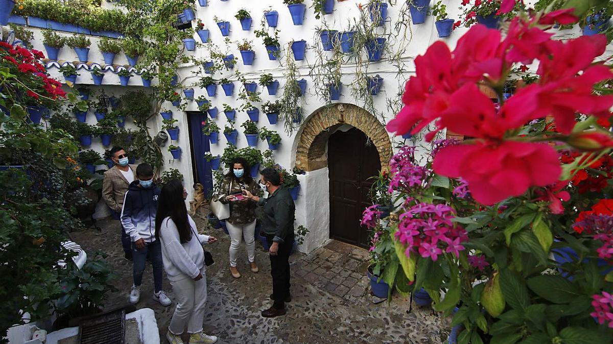 Patios en octubre | Patio de la calle Postrera, 28, durante su atípica apertura el pasado mes de octubre.