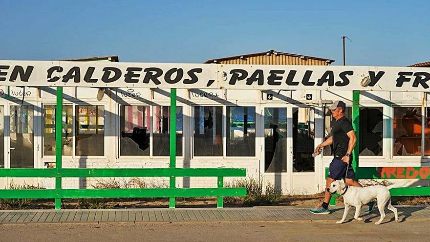 """Urbanismo precinta el restaurante Katy de Cabo de Palos por """"abandono"""""""