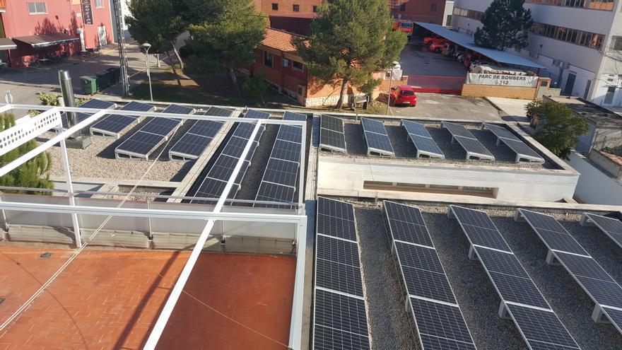 Paterna reduce en 90t las emisiones de CO2 con las plantas fotovoltaicas en cinco colegios