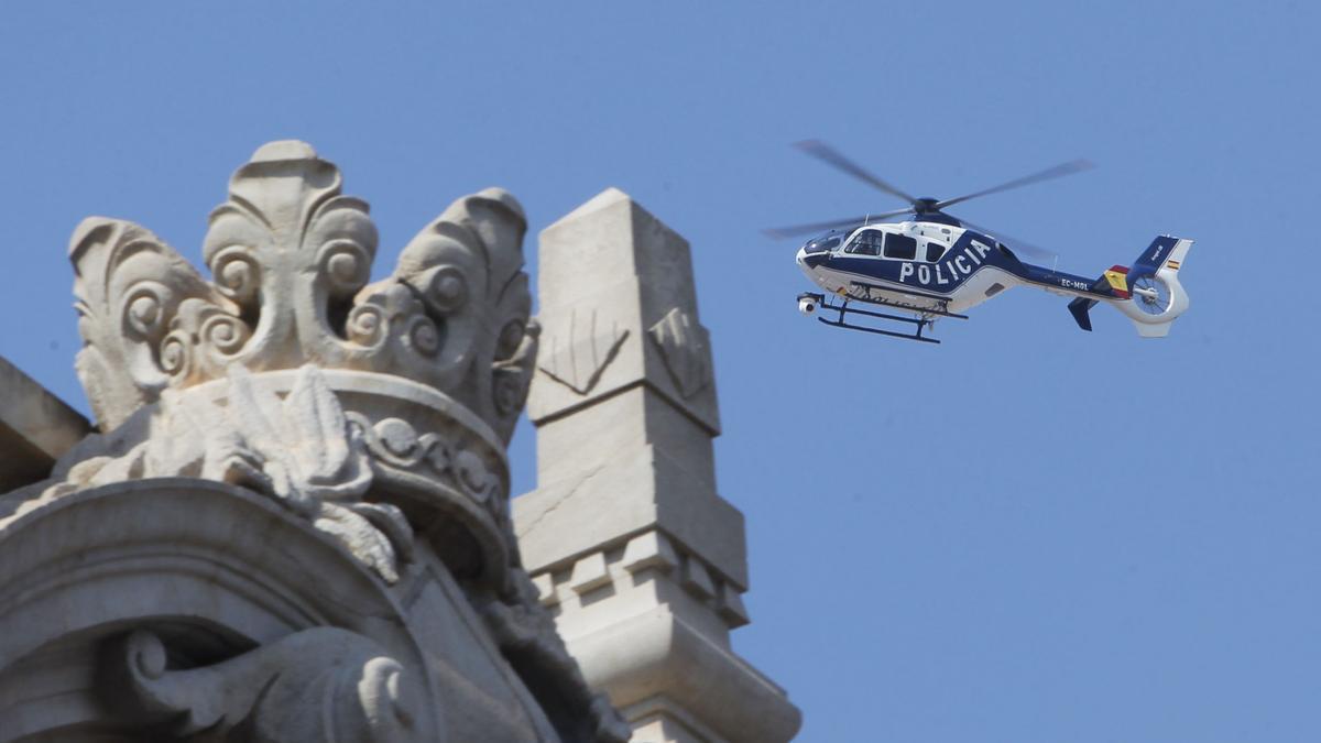 helicópteros de la Policía Nacional y Guardia Civil sobrevolarán las grandes ciudades para controlar la actividad